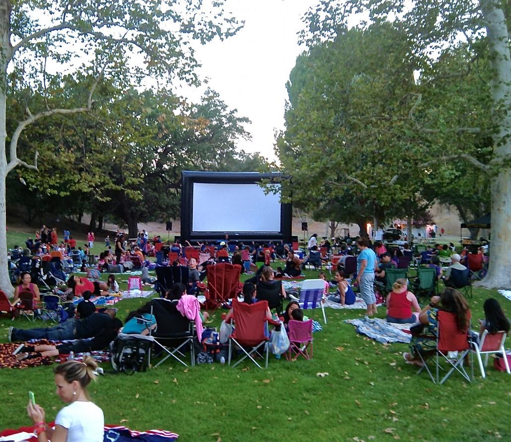 Movie crowd 1
